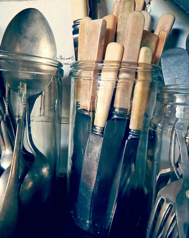 More vintage cutlery/flatware in fowlers preserving jars in the kitchen at home #vintagecutlery #vintageflatware #bonehandled #silverware #farmhouse #frenchfarmhousestyle   #barossastyle #farmhousekitchen #barossavalley #australianfarmhouse #shabbystyle #industrialkitchen