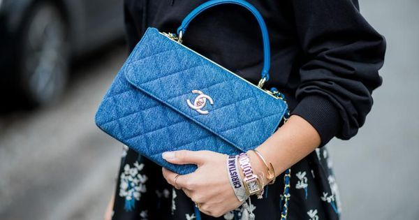 Chanel Invests In Tech Unicorn, Inks Partnership To Augment Boutiques    Chanel has inked a strategic partnership with Farfetch, the online fashion retail unicorn, in addition to investing an undisclosed amount into the company.   https://www.forbes.com/sites/emmasandler/2018/02/25/chanel-invests-in-tech-unicorn-inks-partnership-to-augment-boutiques/