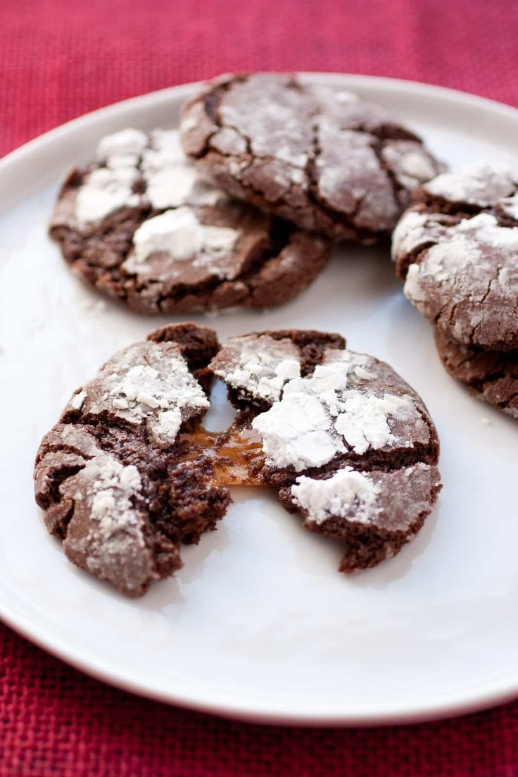 Hello Christmas Cookie Season!! I'm obsessed with cookies so this gives me one more reason to love the holidays. I created this recipe to be a no refrigera