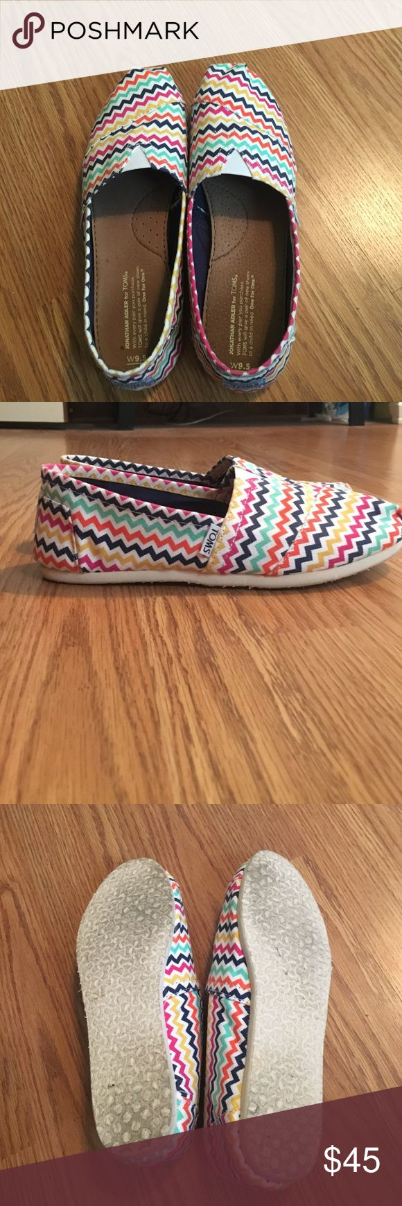 Chevron TOMS Chevron toms size 9.5 in great condition only worn a few times TOMS Shoes