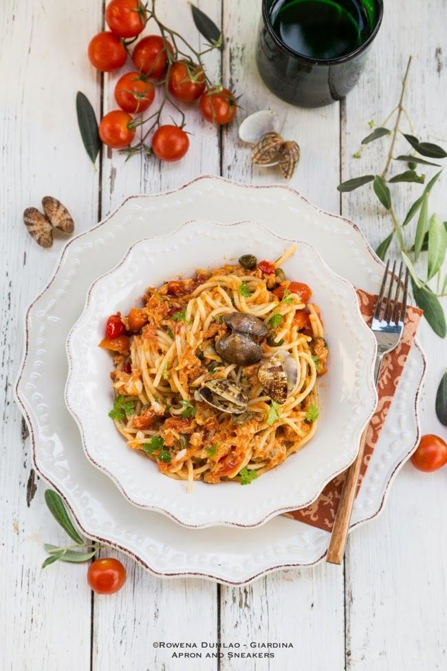 Apron and Sneakers - Cooking & Traveling in Italy and Beyond: Spaghetti with Seafood Ragù