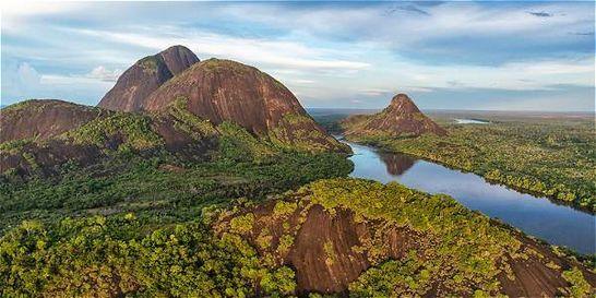 Los cerros de Mavecure en Guainía es uno de los destinos favoritos por los turistas. - La guía de viajes Rough Guides ubica al país como el segundo de los mejores destinos este año.