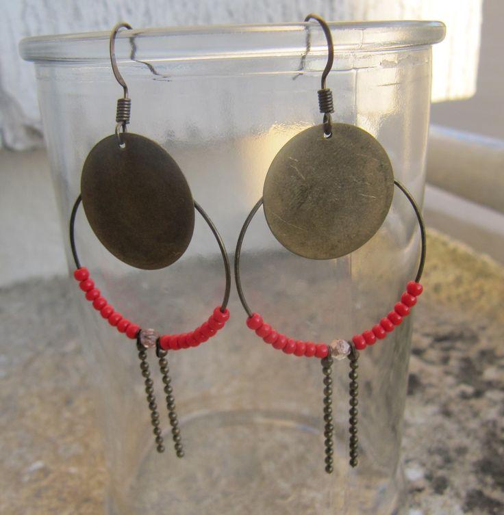 """boucles d'oreilles """"créole sauce milky"""" bronze et perles rouges : Boucles d'oreille par milky-bibiche"""