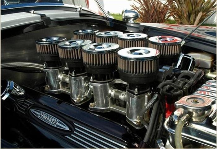 fuel injected Roush 427IR...velocity stacks with