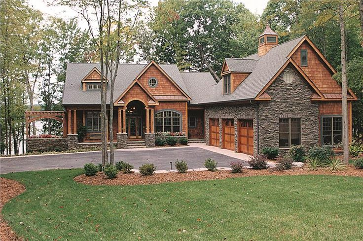 Luxury Craftsman home. (ThePlanCollection: House Plan #180-1020)