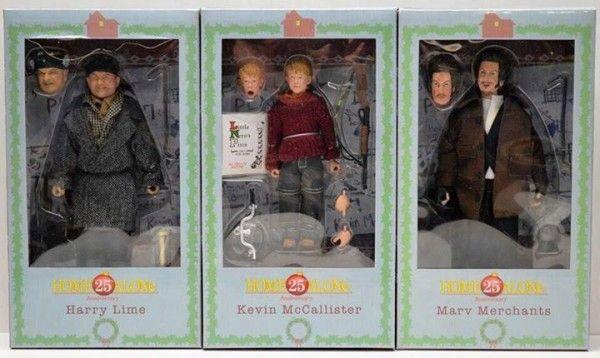 ToyzMag.com » Packaging des figurines NECA Maman j'ai raté l'avion