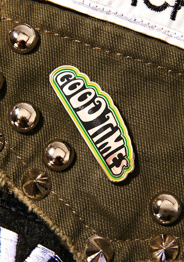 HUF Good Times Pin  laissez les bon temps rouler! That's 'let the good times roll', babe...Keep on truckin' with this dope pin featuring a metal and enamel construction, yellow N' green trim and 70's-inspired print that reads 'GOOD TIMES'.