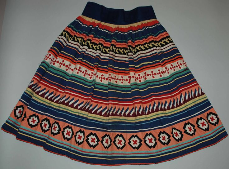 seminole patchwork | Women's Seminole patchwork skirt (2011.18.5), maker unidentified