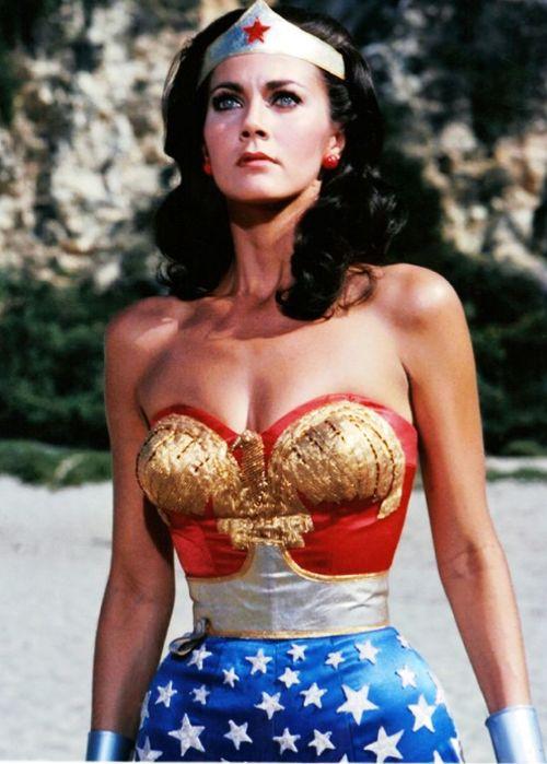 Man in wonder woman costume-9508