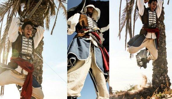 TFG. Vestuario escénico para una pelicula ficticia basada en el famoso videojuego. Assassin's Creed IV. Black Flag.