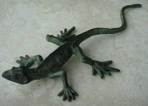 Cheap figurine decoration, Buy Quality ems army directly from China ems website Suppliers: Item:Cast Iron Painted LizardMaterial: Cast IronOverall Size: 44.5(L)*21(W)*6(H)cm1 inch= 2.54cm