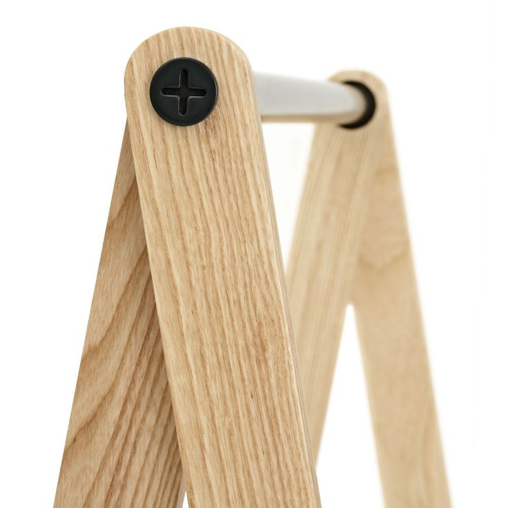 Perchero de madera para ropa
