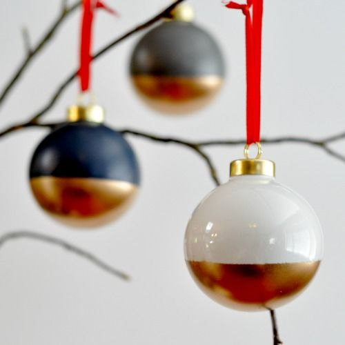 Gold-Dipped Ornaments - 22 Creative, Fun and Easy DIY Christmas Decor Projects
