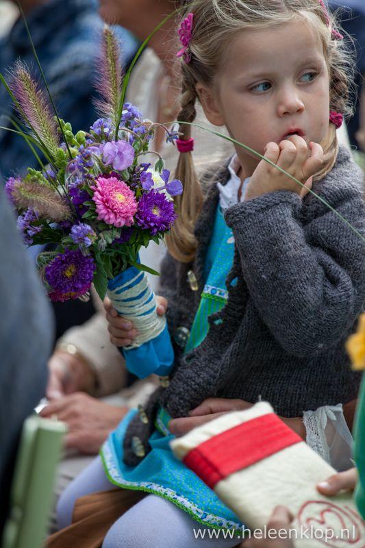 Dagfoto: bloemenmeisje - HELEEN KLOP fotografie - Utrecht