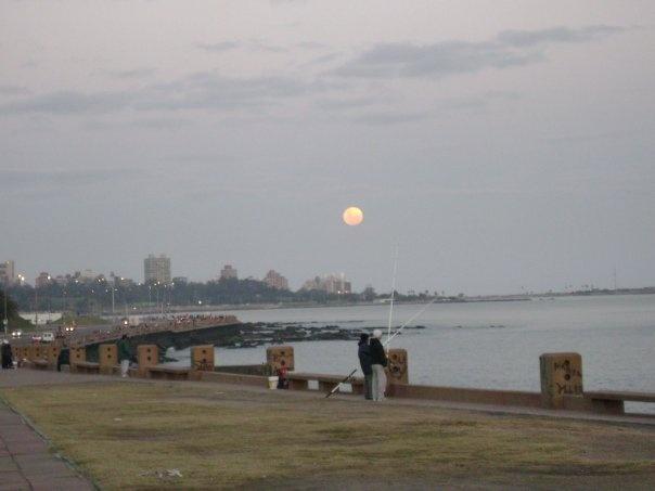 Montevideo, lunas, gigantes, hermosas