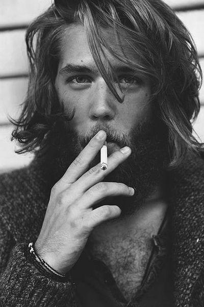 Длинная стрижка и борода