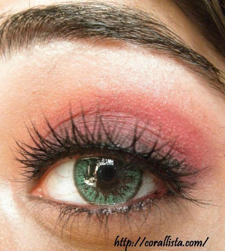 Soft berry-purple eye makeup Tutorial