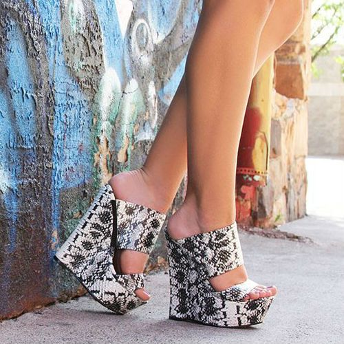 Nelly Bernal Pacs Wedge Sandals