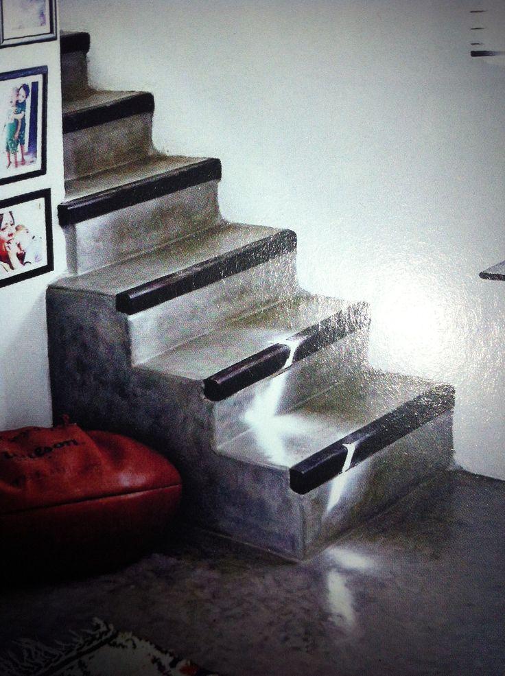 Mooi idee voor de trap buiten, de randen zwart schilderen met betonverf