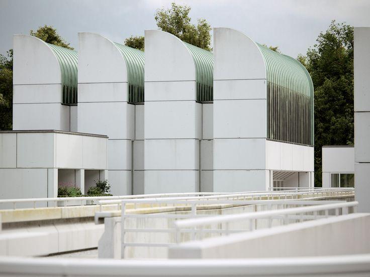 Bauhaus Archiv by Bertrand Benoit