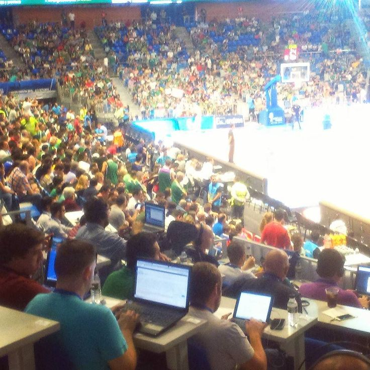 Hoy toca basket. Final Supercopa arriba Unicaja!!!