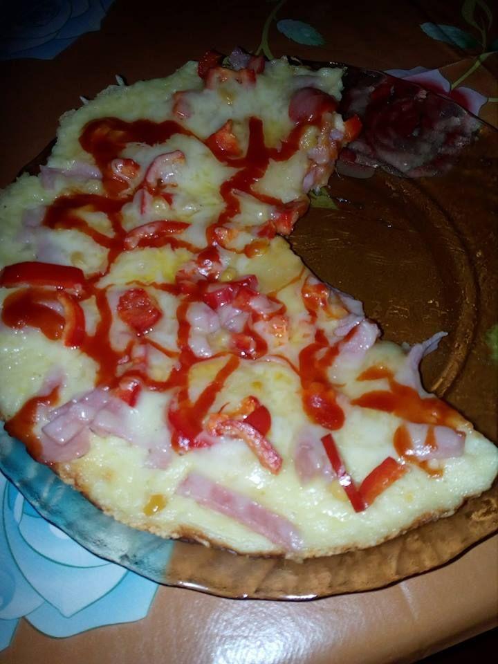 A legegyszerűbb gyors pizza palacsintasütőben sütve