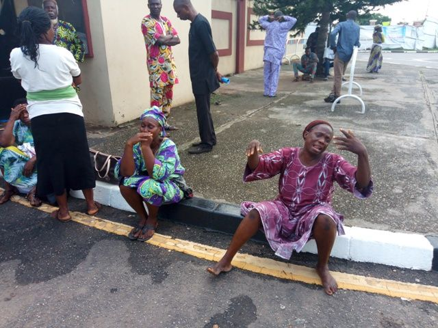 Tears and Wailing as Parents Of Kidnapped Students Storm Lagos State Governor's Office (Photos)