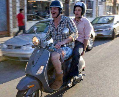 jason-segel-uggs-ugg-boots-scooter-i-love-you-man