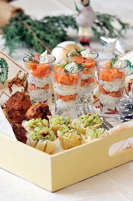 Shooters de salmón y queso crema, infaltables entre tus mini foods de boda.