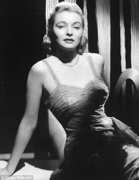 nude photos of patricia neal