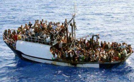Около 700 мигрантов утонули у берегов Ливии http://dneprcity.net/ukraine/okolo-700-migrantov-utonuli-u-beregov-livii/  Организация Объединенных Наций говорит, что за прошедшие три дня в Средиземном море утонули более 700 мигрантов и беженцев. Об этом передает УНН со ссылкой на ВВС. Представитель УВКБ ООН Карлотта