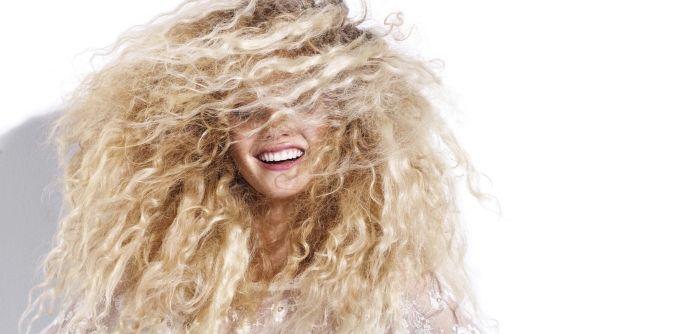 ARTICLE - Les cheveux bouclés maxi volume. #jLD #news #article #magazine #hair #cheveux #tendance #trends #fashion #fashionshow #jeanlouisdavid
