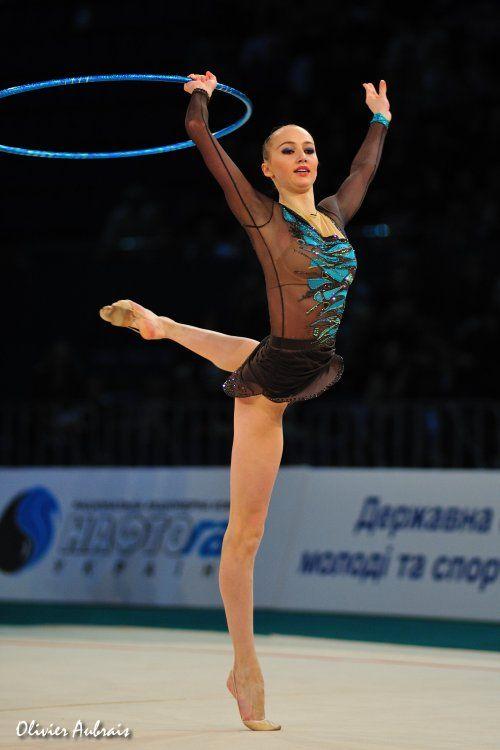 Ganna RIZATDINOVA (UKR) Hoop