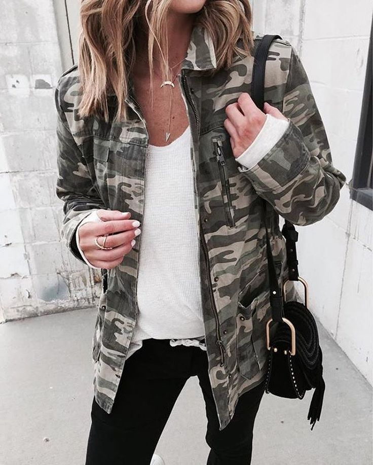 """14.2k Likes, 62 Comments - LIKEtoKNOW.it (@liketoknow.it) on Instagram: """"Opt for a utility take on your midweek casual a la @cellajaneblog's camo print topper 