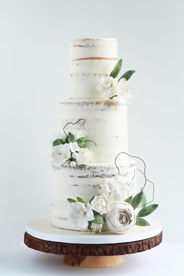 Weiße halb nackte Buttercremehochzeitstorte mit Waldblumen. #whiteweddingca …   – Naked Wedding Cake
