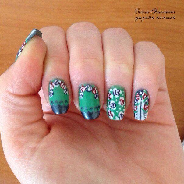 Орнамент из цветков #nail #nails #ногти #маникюр #рисунок #цветы #цветок #nailart #art #naildesign #design #nailstyle #style #flower #flowers #khokhloma #Russia