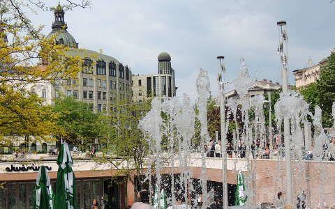 Budapest,Erzsébet tér felújítva