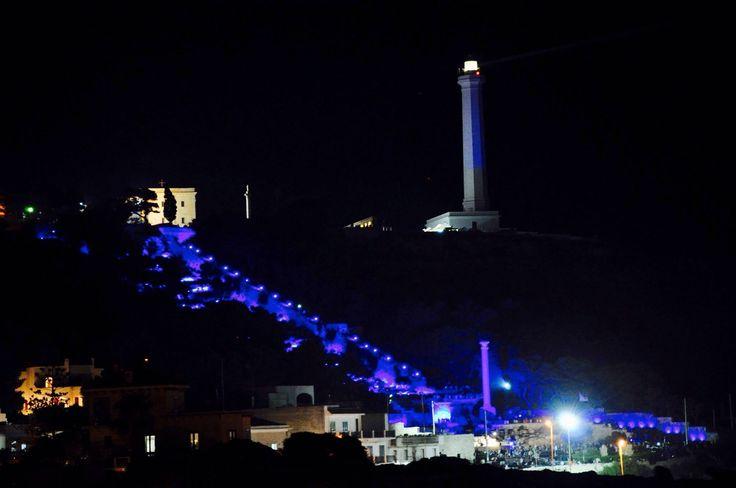 Santa Maria di Leuca. la Scalinata Monumentale ed il Faro di notte.