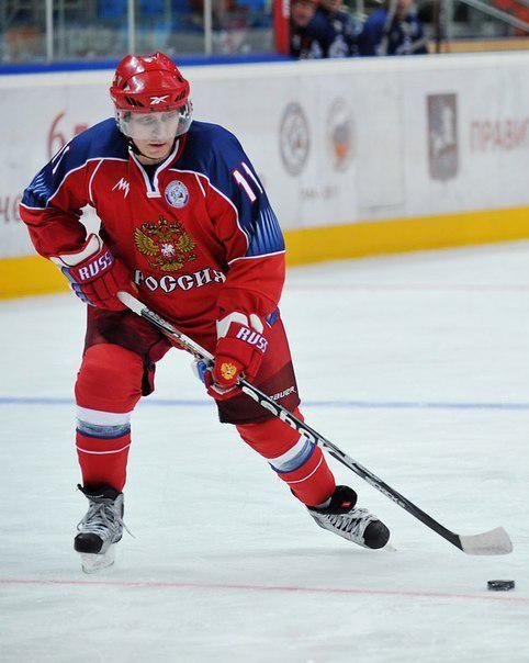 Путин в свой день рождения сыграет в хоккей...
