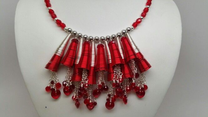 Red ROCKS! Perfect for Christmas, Valentine's Day, or anytime you're feeling feisty! #beadalon #artisticwire #conetastic #swarovski #holiday