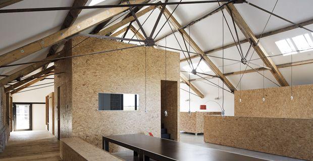 uffii in polonia progettati dallo studio Mode-lina con panneli osb