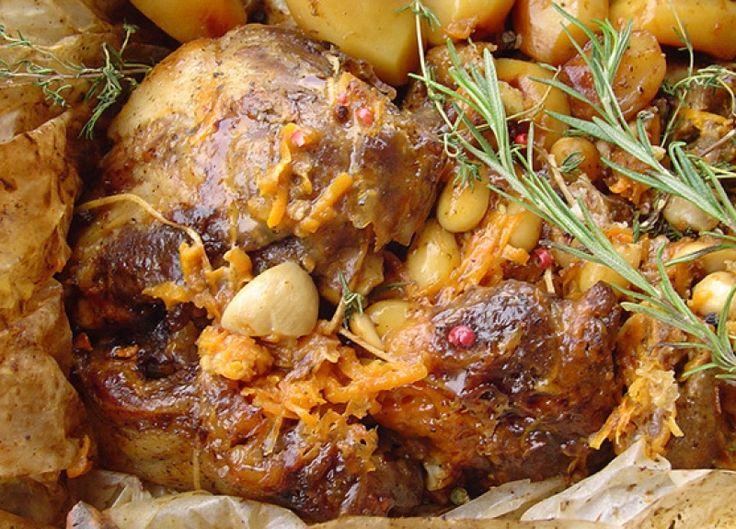 Αρνάκι Χριστουγεννιάτικο στη λαδόκολλα - gourmed.gr