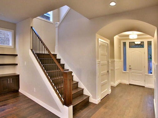Nice Quality Craftsmanship Entry By: Pahlisch Homes