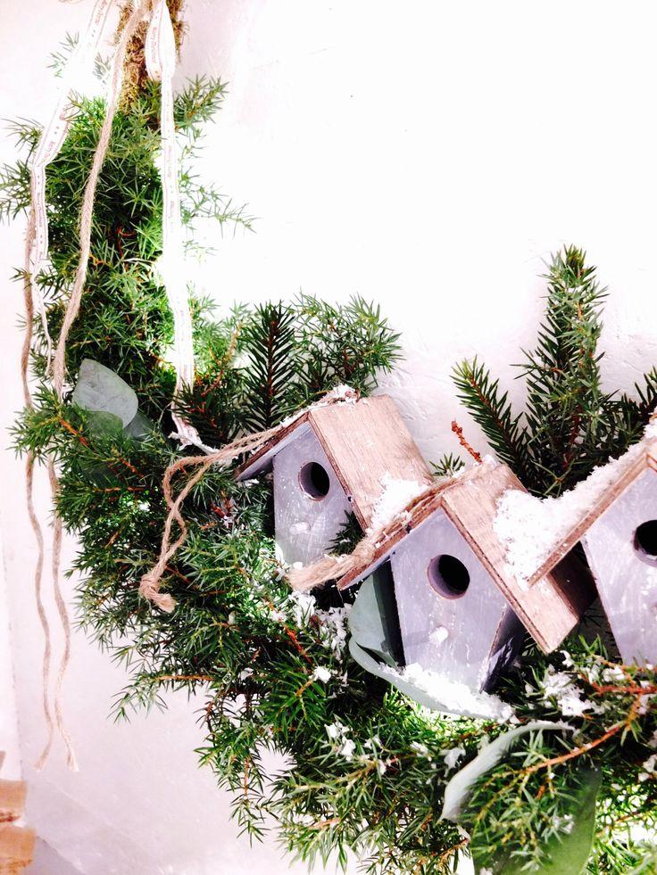 Julekrans med fuglebo