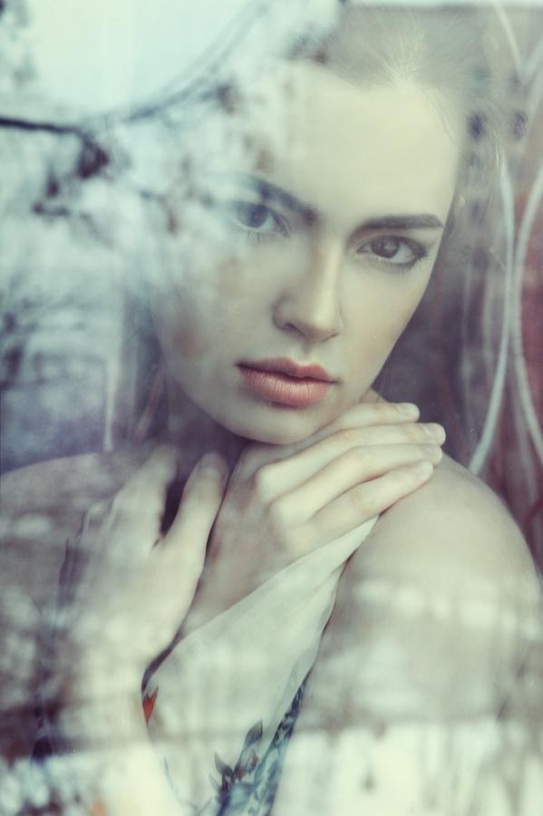 Love this photo. Very beautifully done. Women portraits by Lena Dunaeva