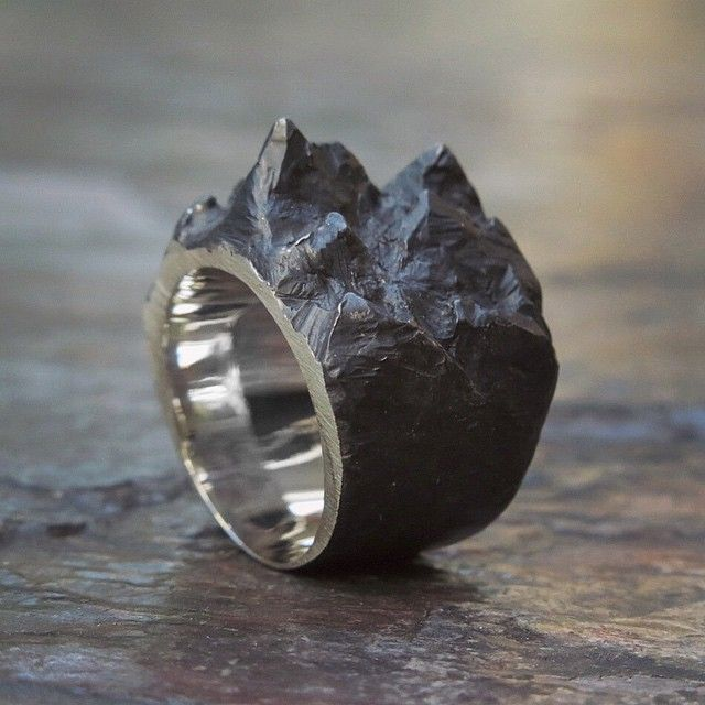 ALICIA HANNAH NAOMI   Elcho Falling Ring (Bespoke).