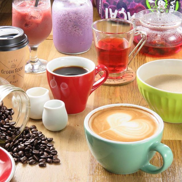 CAFE TIMEのドリンクは種類豊富にご用意。オーガニックティーやスムージーも☕️ #sapporo #札幌 #女子会 #hokkaido #北海道 #ランチ #札幌ランチ #japan #cafe #diner #GreenRoom #札幌カフェ #オーガニック #コーヒー #サンドウィッチ #スウィーツ #ハーゲンダッツ #followme #ピザ #ステーキ #coffee #居酒屋 #肉 #夜カフェ #カフェ飯 #organic #ソーセージ #followus #follow4follow #follows . Cafe&Diner Green Room ☎︎011-215-1303 北海道札幌市中央区南三条西7-7-28 Msビルヂング 1F cafe time 12:00〜16:00 diner time 18:00〜24:00 ☆詳細☆ https://www.hotpepper.jp/strJ001168401/?vos=cpshppprocap0121226001…
