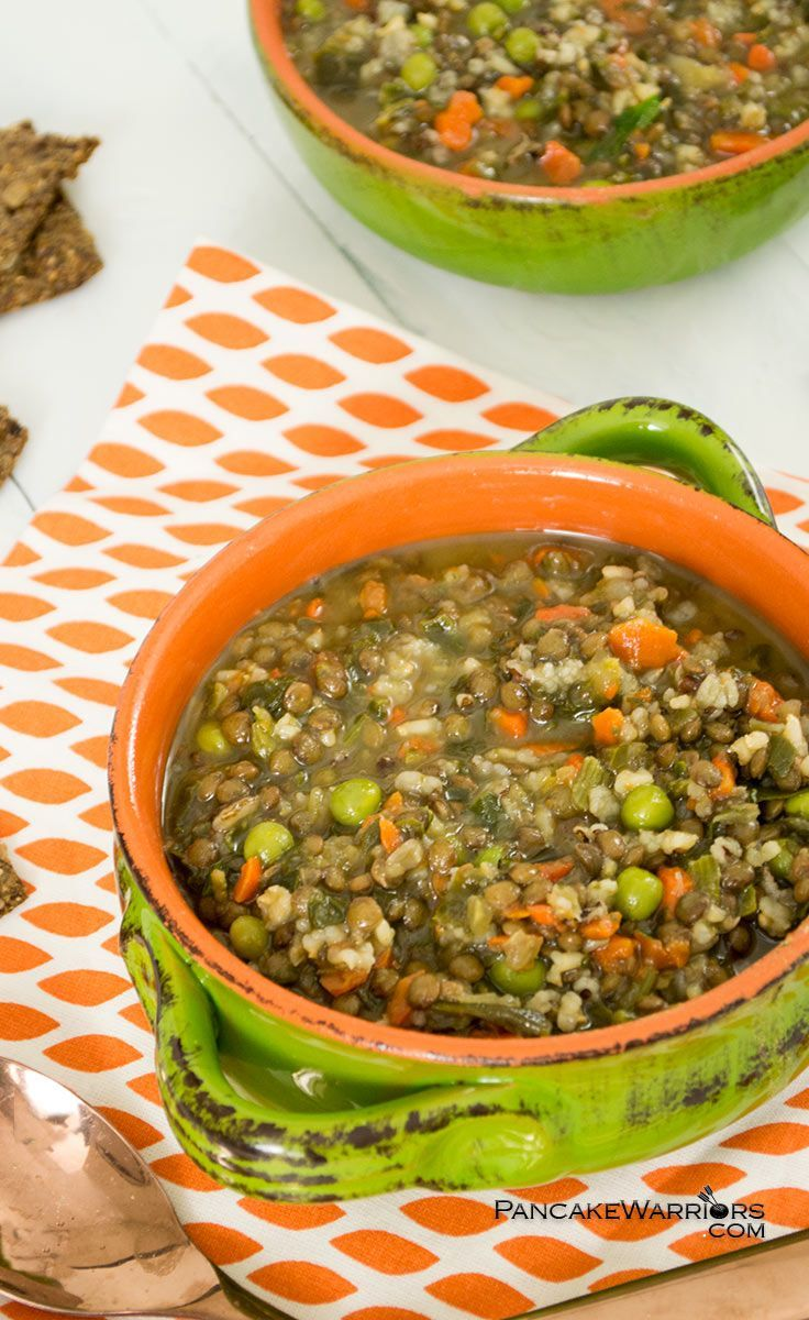 This hearty brown rice lentil soup is super simple and so filling! With only a few minutes of preparation, this soup tastes like it's been simmering all day long! Vegan, low fat, gluten free and such a simple weeknight dinner idea! | http://www.pancakewarriors.com