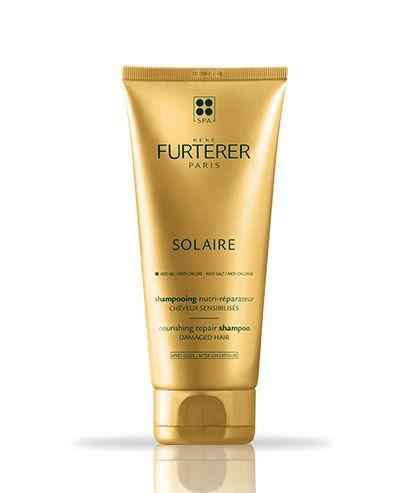 Das nährende SOLAIRE - Nährendes Après-Soleil Sahmpoo von René Furterer reinigt Ihr Haar sanft von den Resten von Meer- und Chlorwasser. Dank seinem sinnlichem Duft verwöhnt dieses Shampoo zusätzlich auch noch Ihre Sinne.
