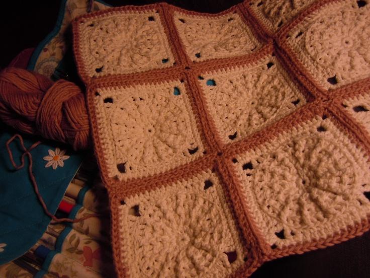 Aqui les dejo el link para aprender a tejer el Granny Maya  http://www.youtube.com/watch?v=u2Xz_o7WPLw